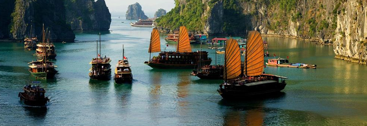 Sailing Boat in Ha Long Bay, Kayaking in Ha Long Bay