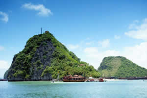 Ha Long Titov Island